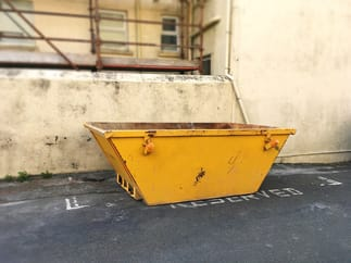 Midi skip in reserved space ready for commercial waste